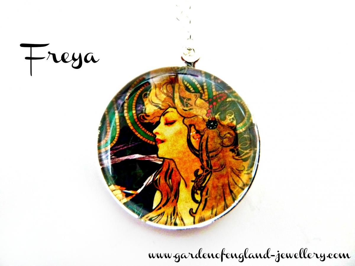 Art Nouveau Vintage Lady Freya Necklace made with a glass cabochon and Tibetan Silver bezel, handmade